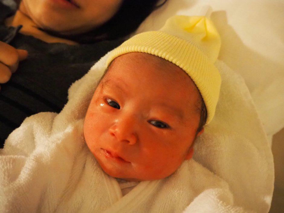 出産直後の娘の画像