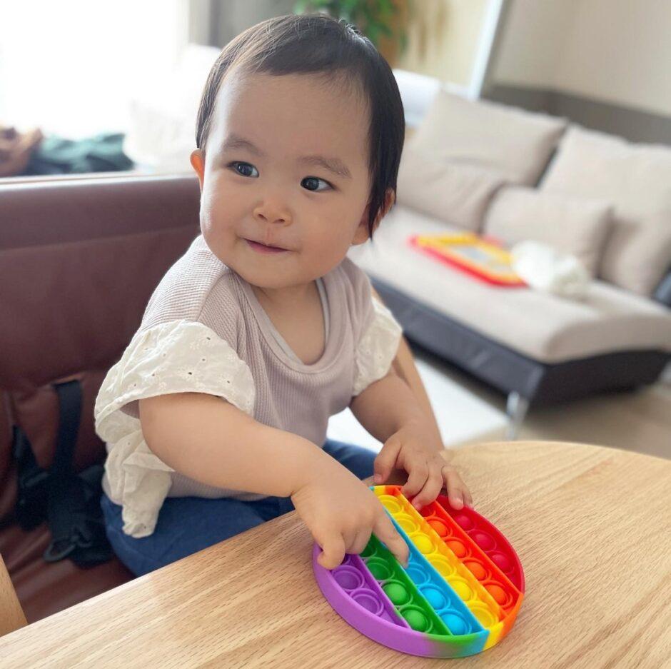 韓国で流行っているプッシュポップバブルとは?!指先を使う知育玩具のレポ